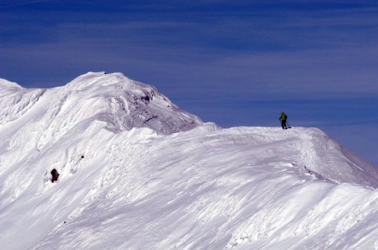 Alcanzando la cima del Gaustatoppen, con 1883m (foto: D. Villegas, BEC)